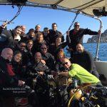 grupo en el barco del centro de buceo Xaloc