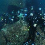 grupo de Buceo Navarra en la cueva del delfín