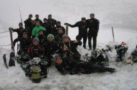 grupo del 2017 del curso buceo bajo el hielo